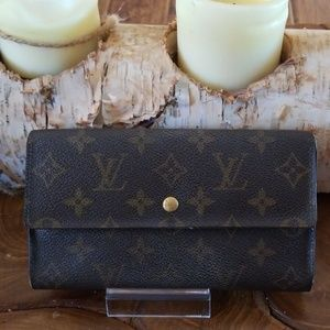 Authentic Louis Vuitton long Sarah wallet